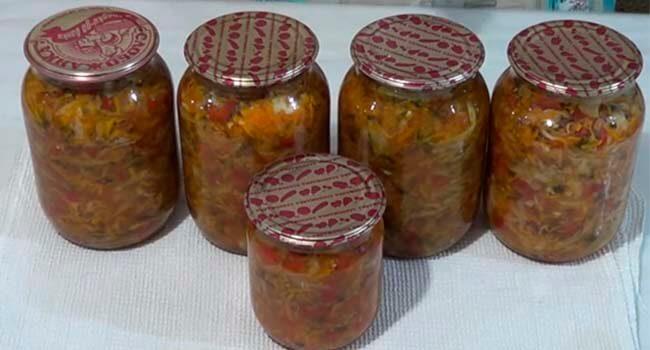 borshh na zimu s kapustoj bolgarskim percem pomidorami