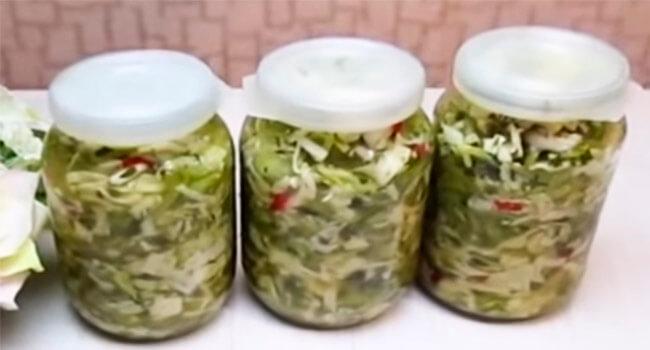 ostryj salat iz zeljonyh pomidorov