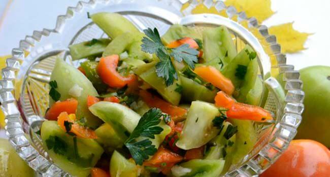 salat iz zelenyh pomidor bystrogo prigotovlenija