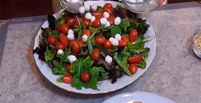 listja-salata-pomidory-syr