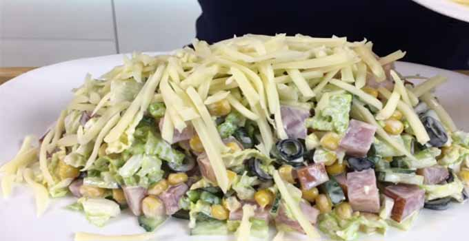 zasypat-salat-syrom
