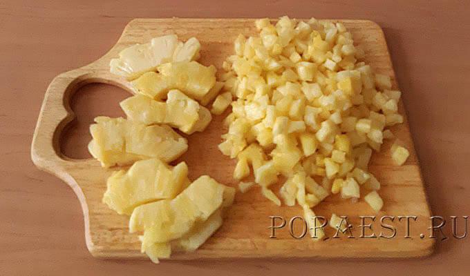 ananas-kusochkami