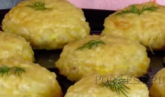 kurinye-kotlety-s-ananasom-v-duhovke