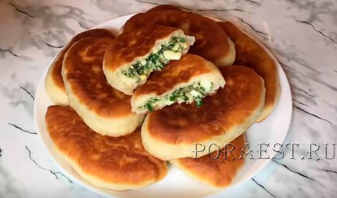 pirozhki-s-zelenym-lukom-jajcom-na-drozhzhah