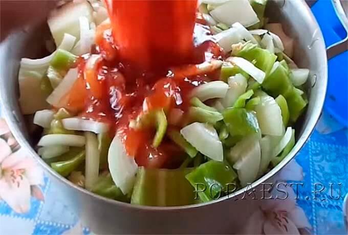 ovoshhi-zalit-tomatnym-sousom