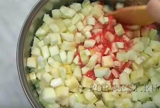 polozhit-kabachki-v-tomatnyj-sok