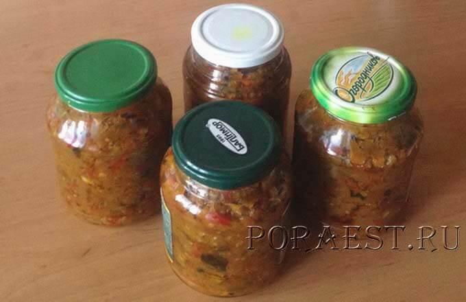 razlozhit-ikru-iz-zeljonyh-pomidor-v-banki