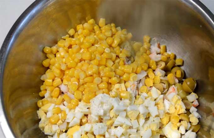 dobavit-jajca-kukuruzu