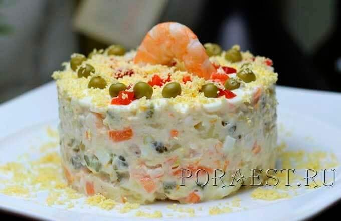 novogodnij-salat-o-lja-olive-s-tuncom-krevetkami