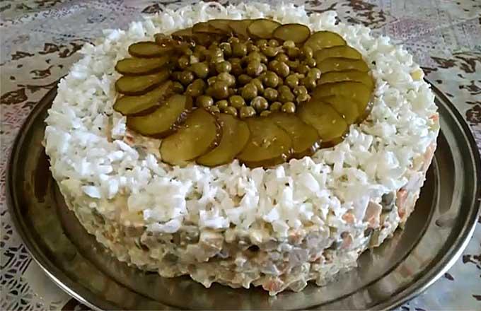 olive-s-kopchjonym-mjasom