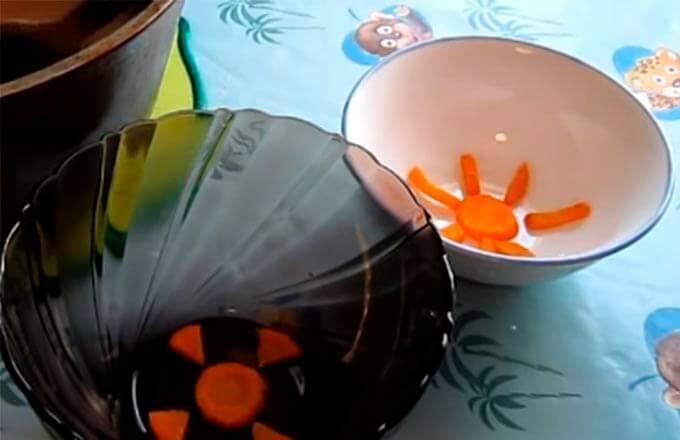 vylozhit-na-dno-posudy-morkov