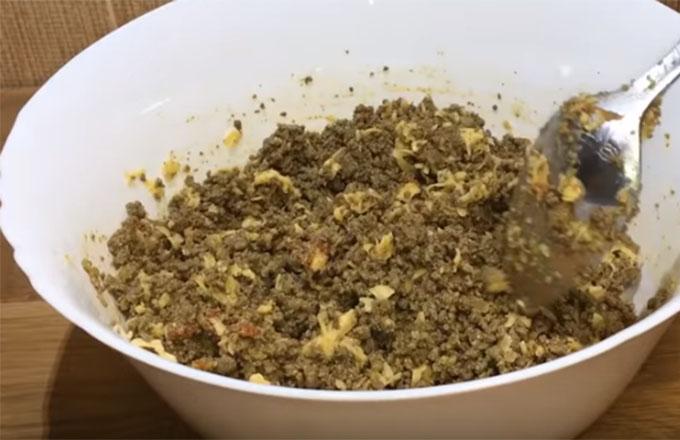 nachinka-iz-govjazhej-pecheni-s-syrom