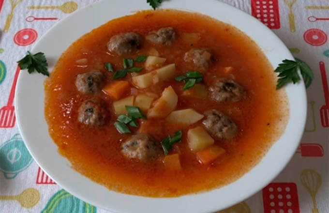 tomatnyj-sup-s-frikadelkami