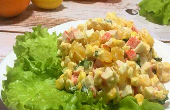 salat-s-krabovymi-palochkami-i-apelsinom