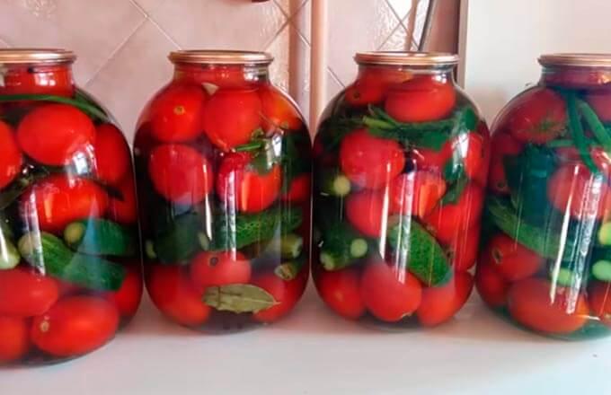 konservirovannye-ogurcy-s-pomidorami