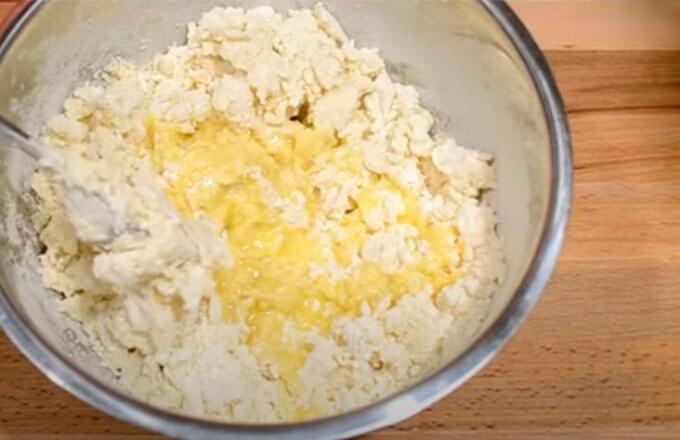 v-testo-dobavit-maslo