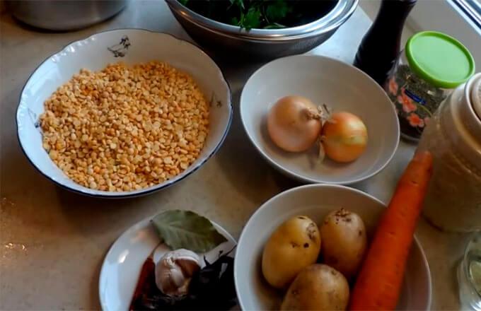 ingredienty-dlja-gorohovogo-supa