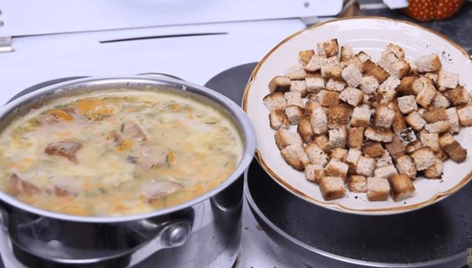 recept-gorohovogo-supa-so-svinymi-rjobryshkami_5