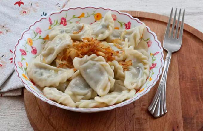 recept-varenikov-s-kartoshkoj-i-soljonymi-gribami