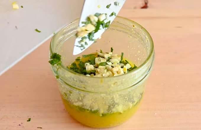 sous-dlja-salata