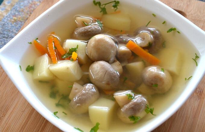 gribnoj-sup-iz-shampinonov-s-kartofelem