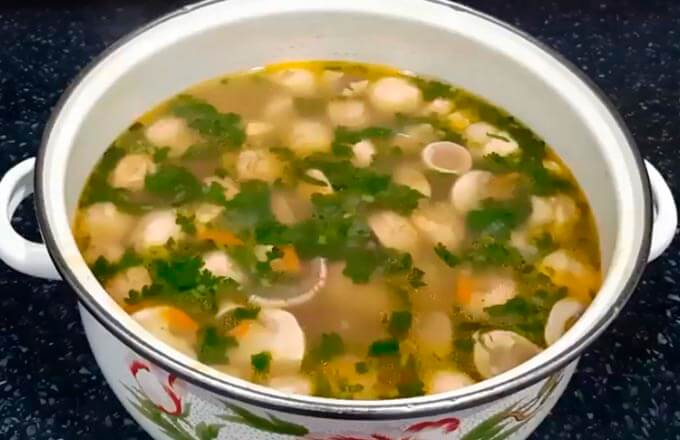 gribnoj-sup-iz-shampinonov-s-kartofelem_3