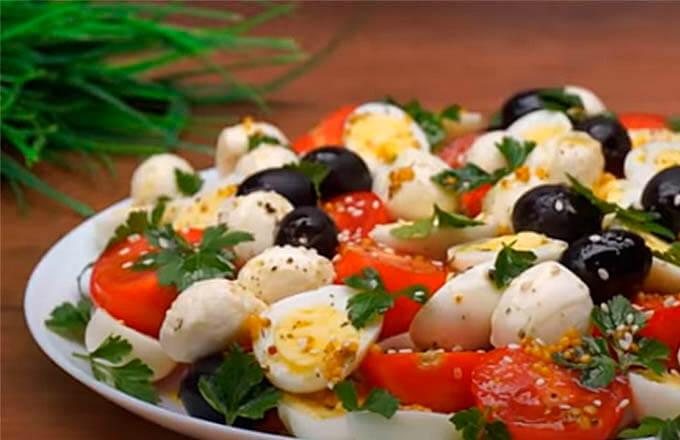 kapreze-s-olivkami-i-jajcom