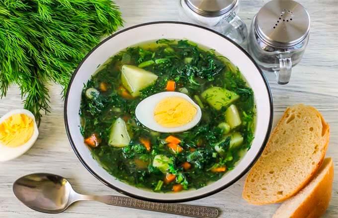 sup-iz-krapivy-s-kartofelem-i-jajcom